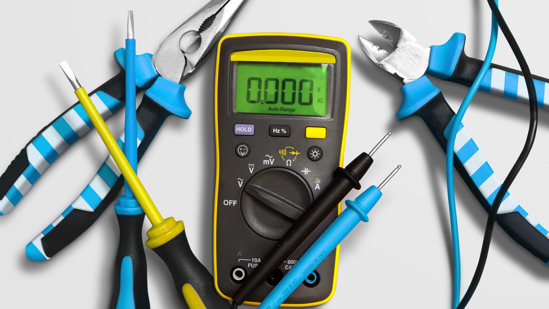 Chris_Britton_Electrician_Daniel_Britton_Applied_Branding_Website_Images_100820_15